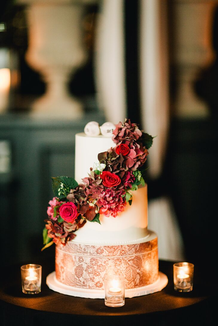 lace wedding cake with burgundy flowers. Black Bedroom Furniture Sets. Home Design Ideas