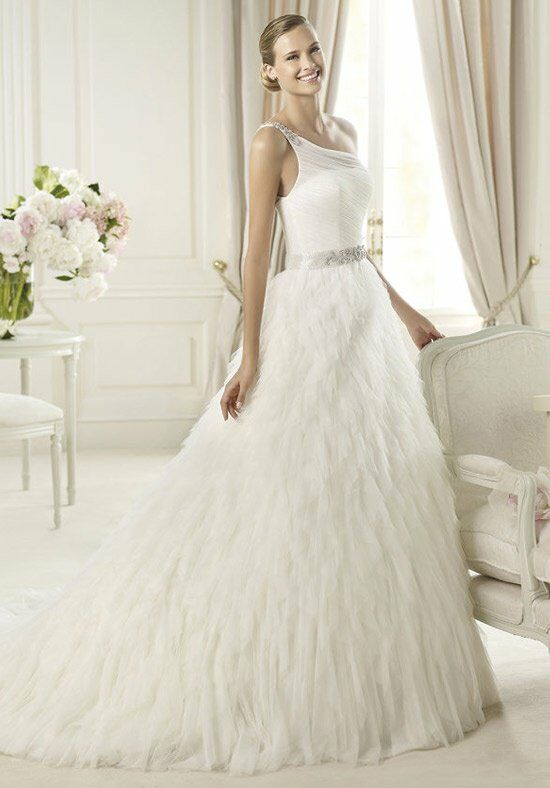 PRONOVIAS ULDAR Wedding Dress photo