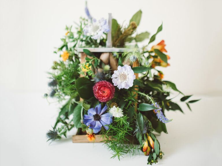 Fall wedding bouquet ideas with rustic flowers