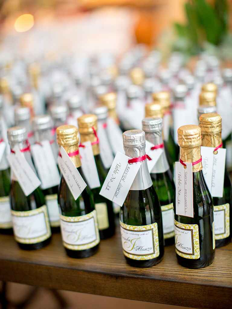 Creative wedding favor idea, champagne split
