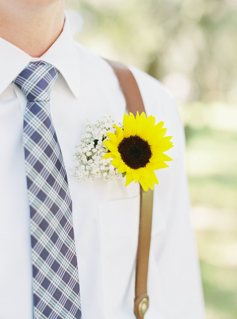 A DIY Sunflower Boutonniere