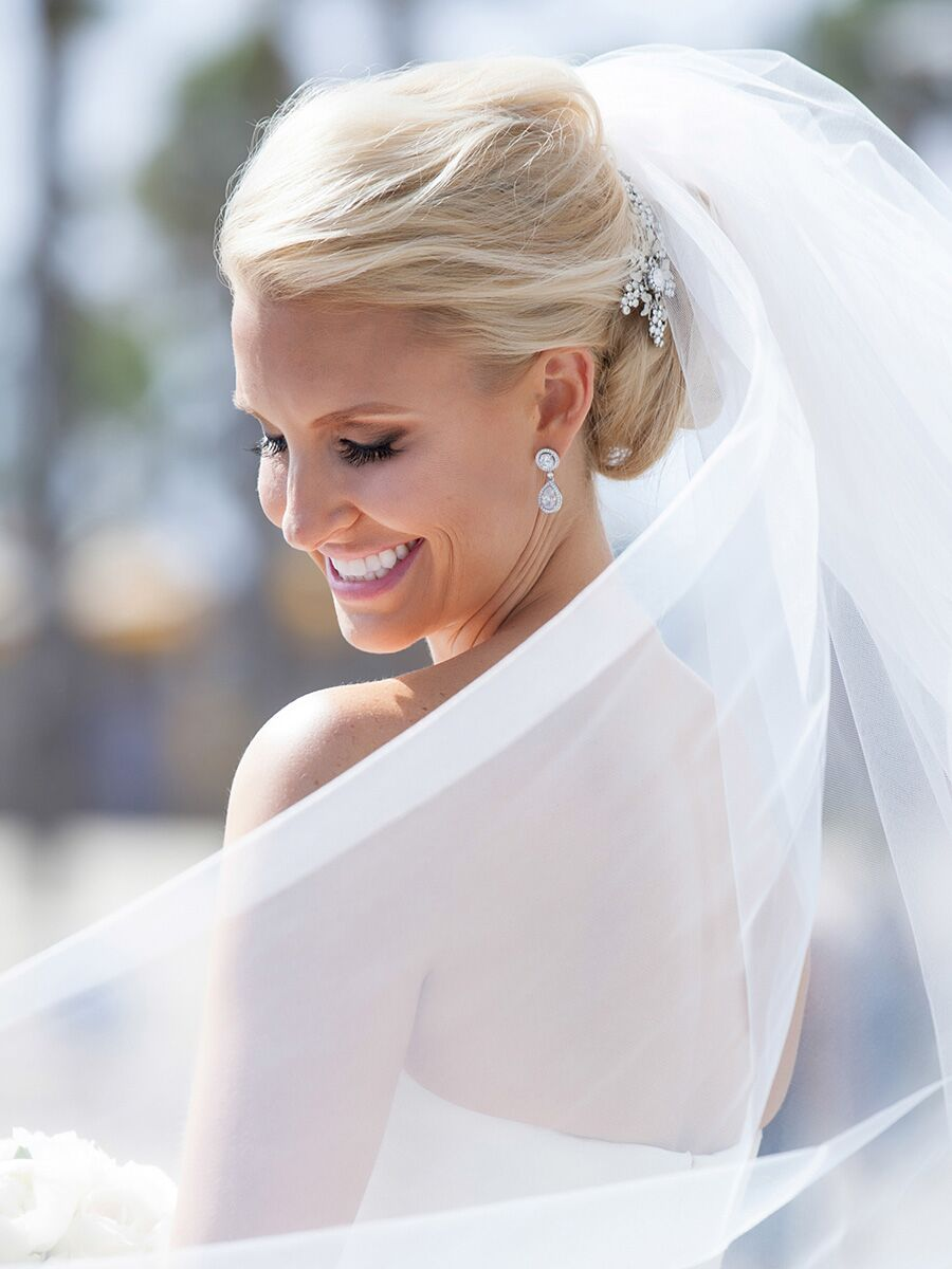 16 Wedding Hairstyles for Long Hair With Hairpins