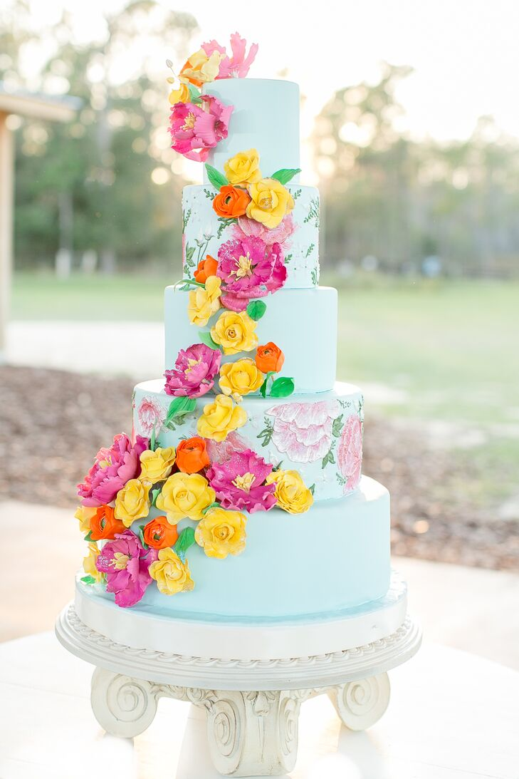 making sugar flowers for wedding cakes wedding cake covered with bright sugar flowers 5678
