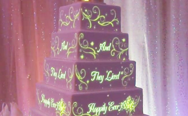see disney 39 s magical new wedding cakes. Black Bedroom Furniture Sets. Home Design Ideas