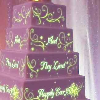 Disney Projection Animation Wedding Cake | blog.theknot.com