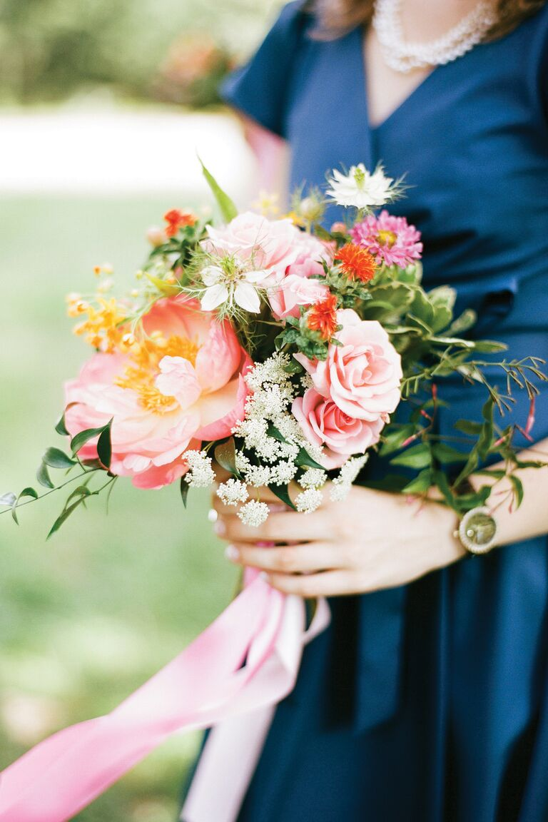 Choosing a bridesmaid bouquet