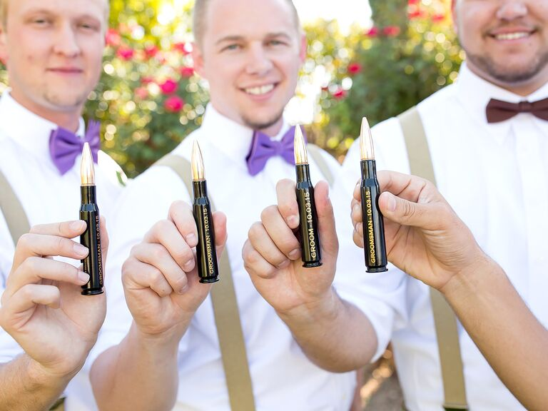 Wedding gift ideas for young groomsmen