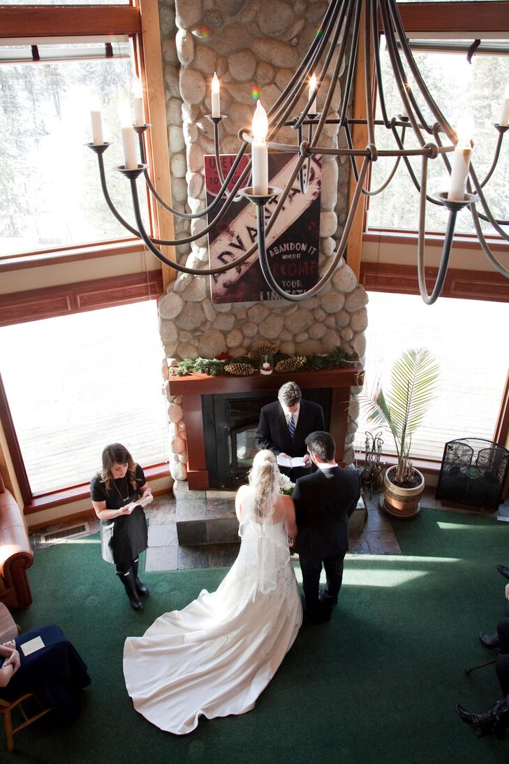 A diy rustic winter wedding at bear creek lodge in mccall for Cabine di hugo salt creek