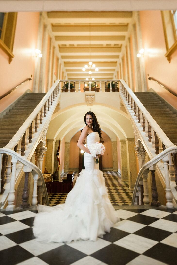 A Grand Sophisticated Wedding At The Ohio Statehouse In