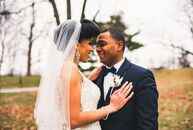 The venue's existing chandeliers and massive fireplace set the tone for Porsha Canales (27 and an HR coordinator) and Michael Flores's (32 and a New Y