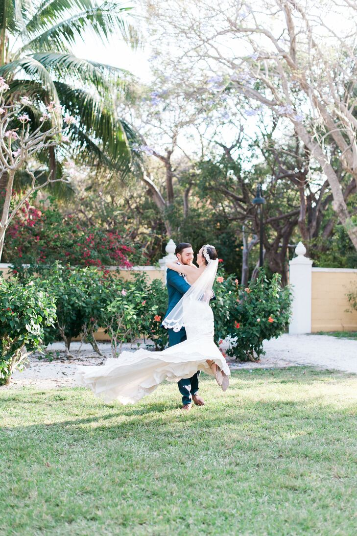 A Whimsical Spring Wedding at Bonnet House Museum and Gardens in ...