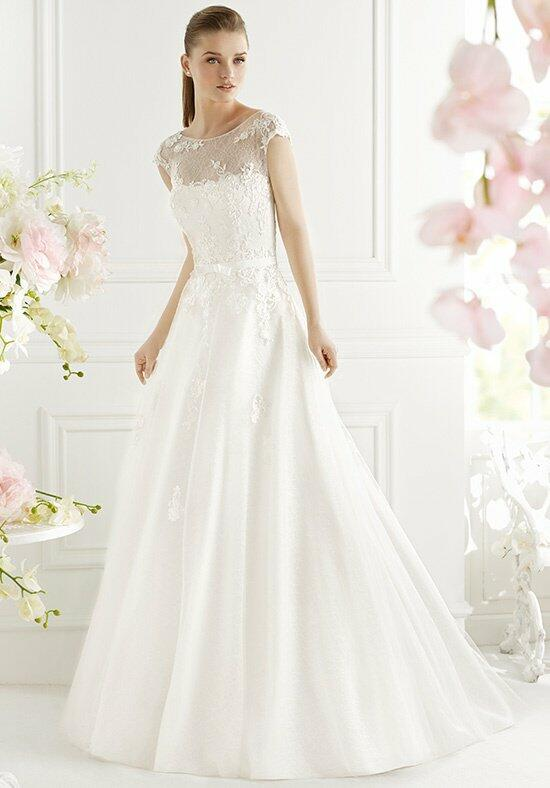AVENUE DIAGONAL Gelasia Wedding Dress photo