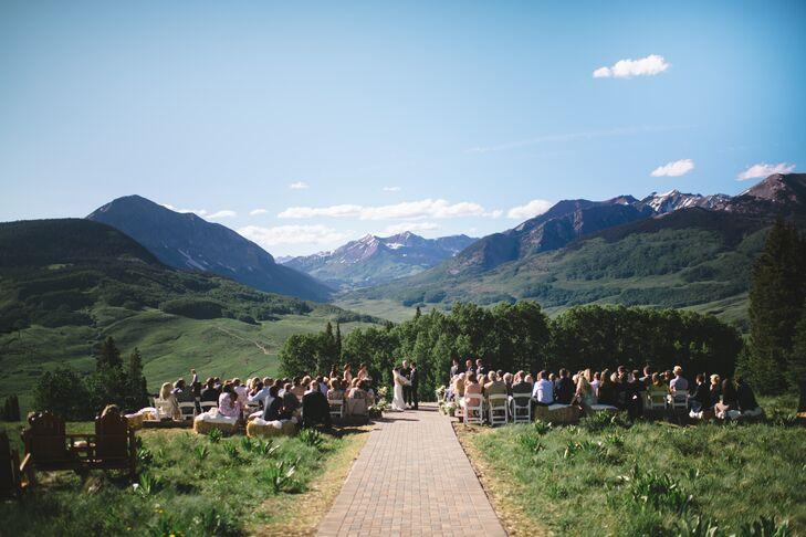 & An Outdoor Ceremony at Ten Peaks