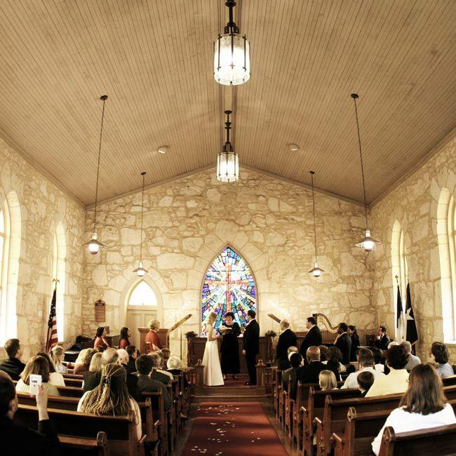 Heather & Rob: A Traditional Wedding In San Antonio, TX