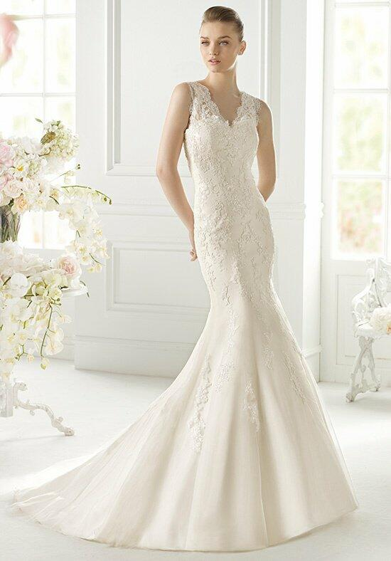 AVENUE DIAGONAL Gimena Wedding Dress photo