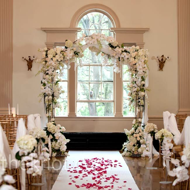 Winter Wedding Altar Ideas: Floral Ceremony Arbor