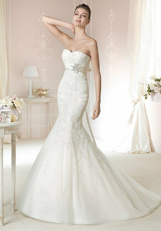 WHITE ONE Dago Wedding Dress photo