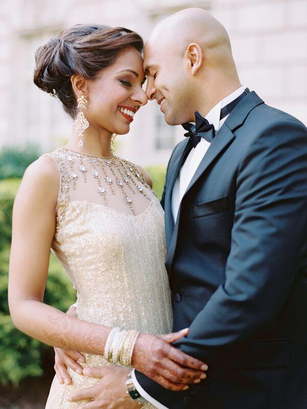 Topknot With High Collar Wedding Dress