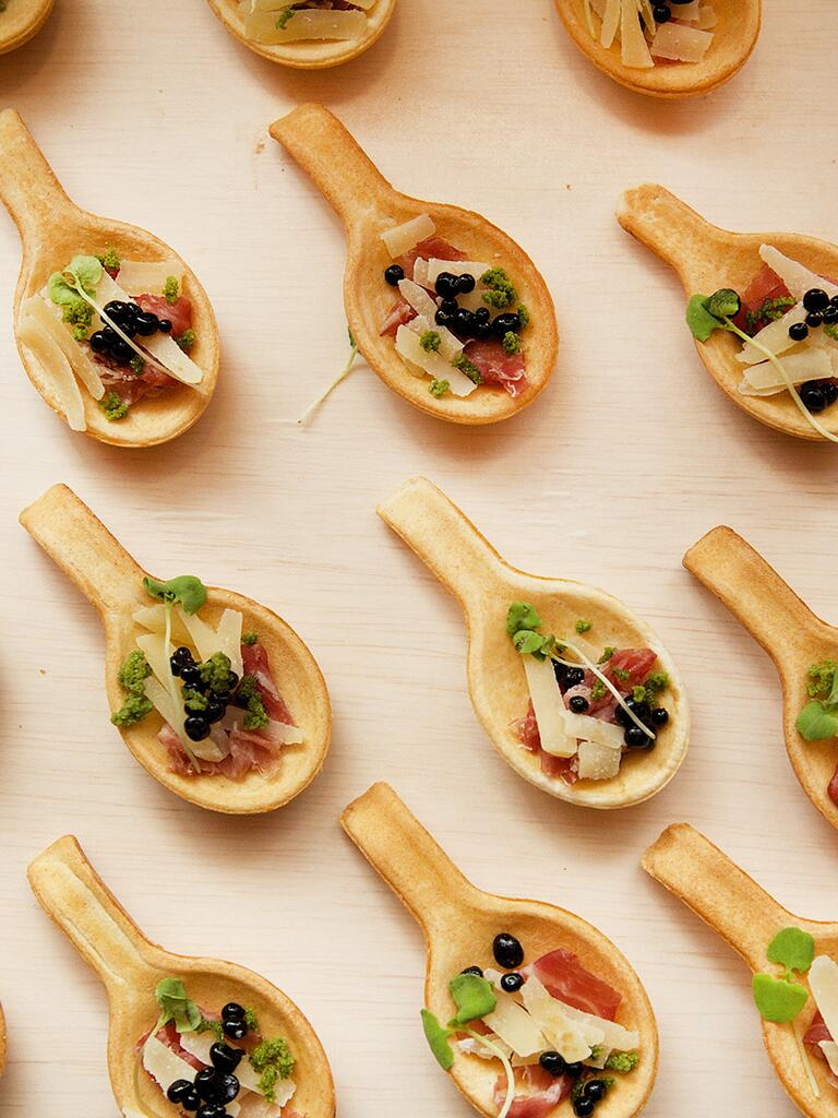 Ideas for gourmet wedding reception appetizers and food
