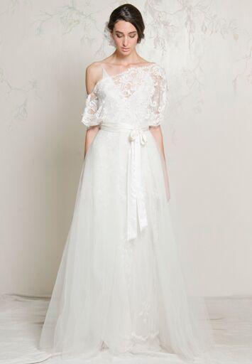 auckland new zealand based designer elizabeth soljak the creative genius behind a la robe has gradually been making her way onto the bridal scene since