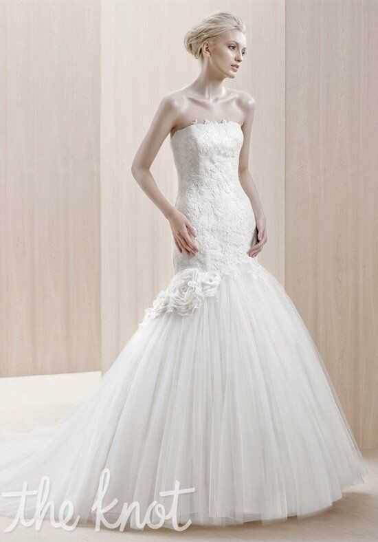 Blue by Enzoani Emporia Wedding Dress photo