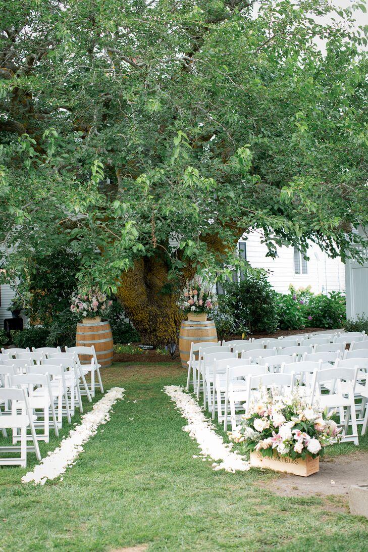 a classic vineyard wedding wedding at truro vineyards in truro