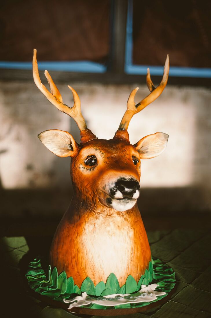 Sculpted Deer Groom's Cake