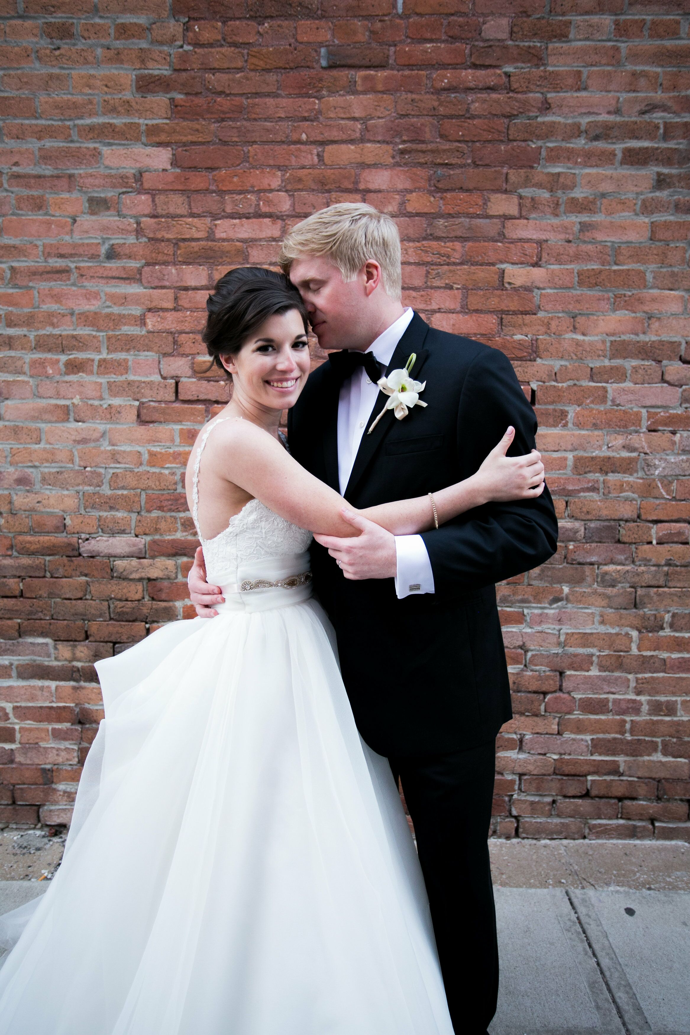 A casually elegant glamorous wedding at veridian event center in a casually elegant glamorous wedding at veridian event center in springfield missouri ombrellifo Image collections