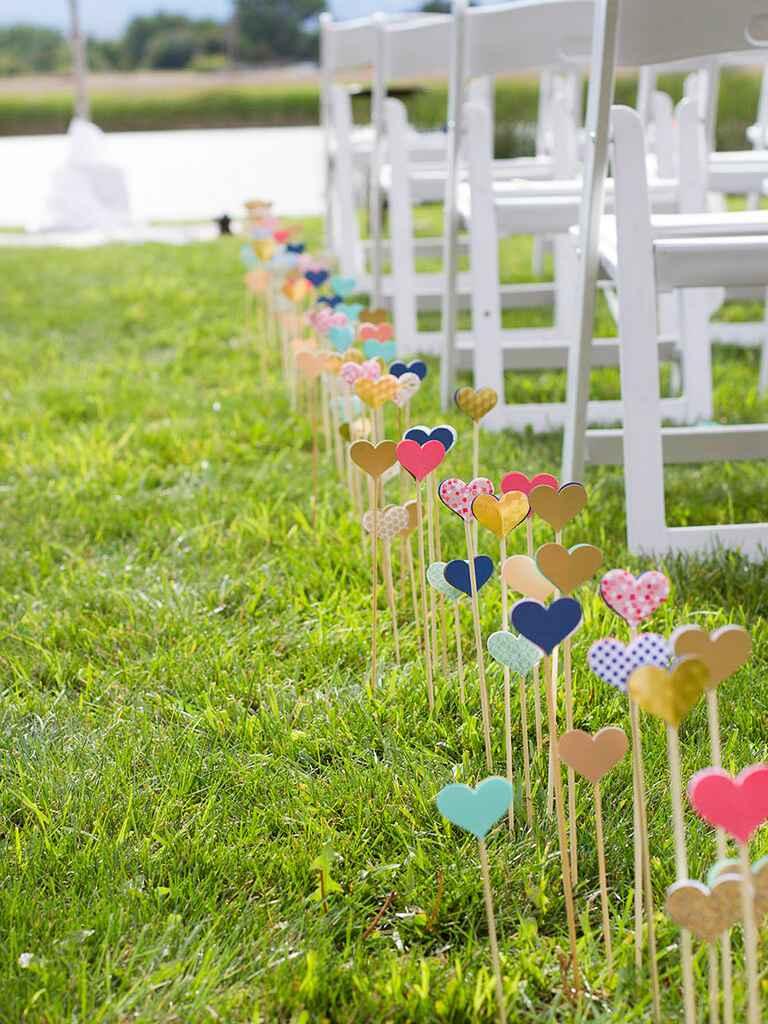 27 Crafty DIY Wedding Decorations