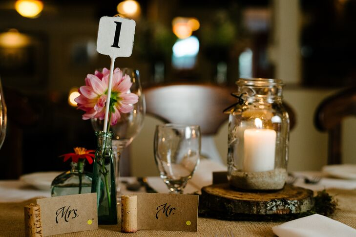 DIY Wine Cork Place Cards - Restaurant table cards