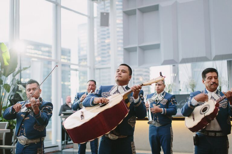 Live Mariachi band music during the cocktail hour