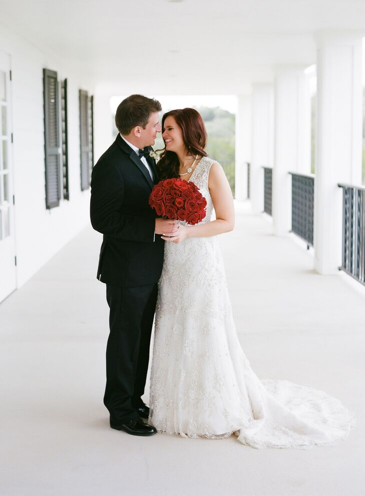 A Romantic Valentine\'s Day Wedding at Kendall Plantation in Boerne ...