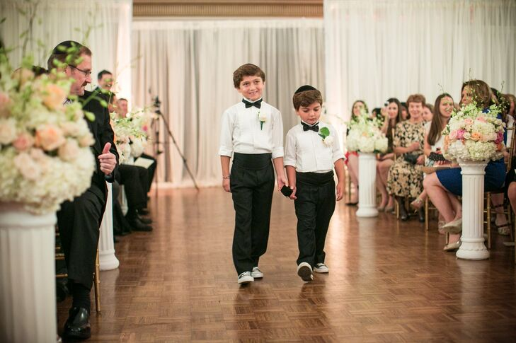 Ring bearers in a Jewish ceremony