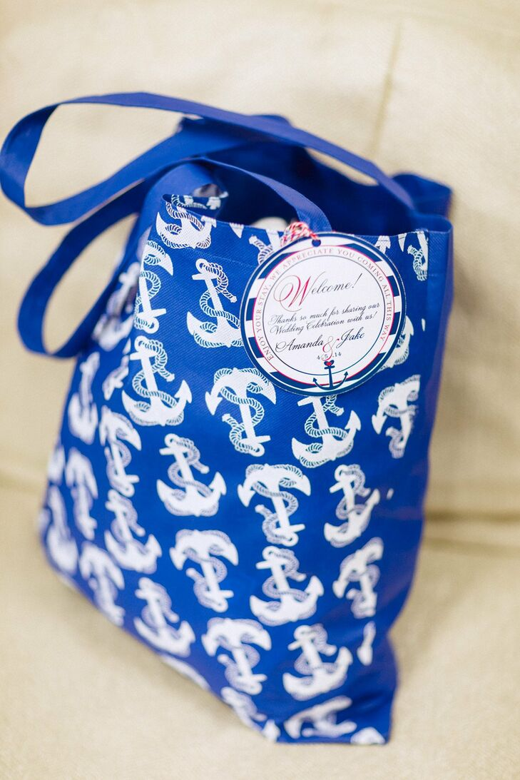 Bright blue welcome bags with an anchor print were given out to guests.