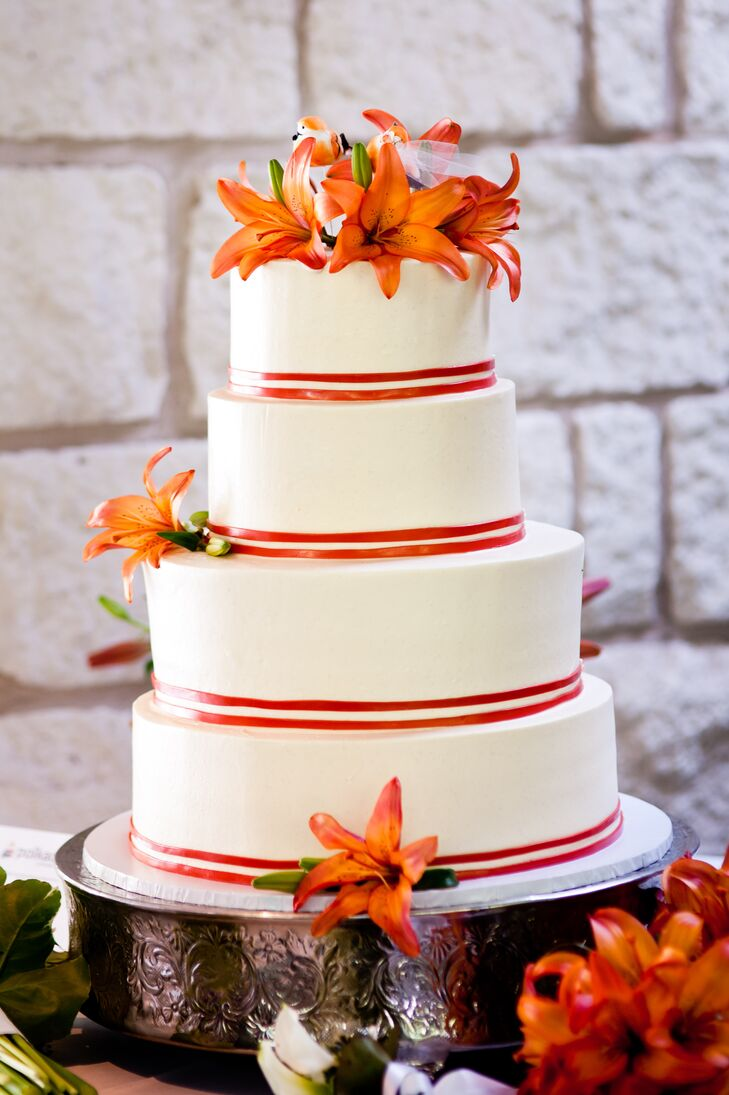 wedding cake with tiger lilies tiger topped wedding cake 26974