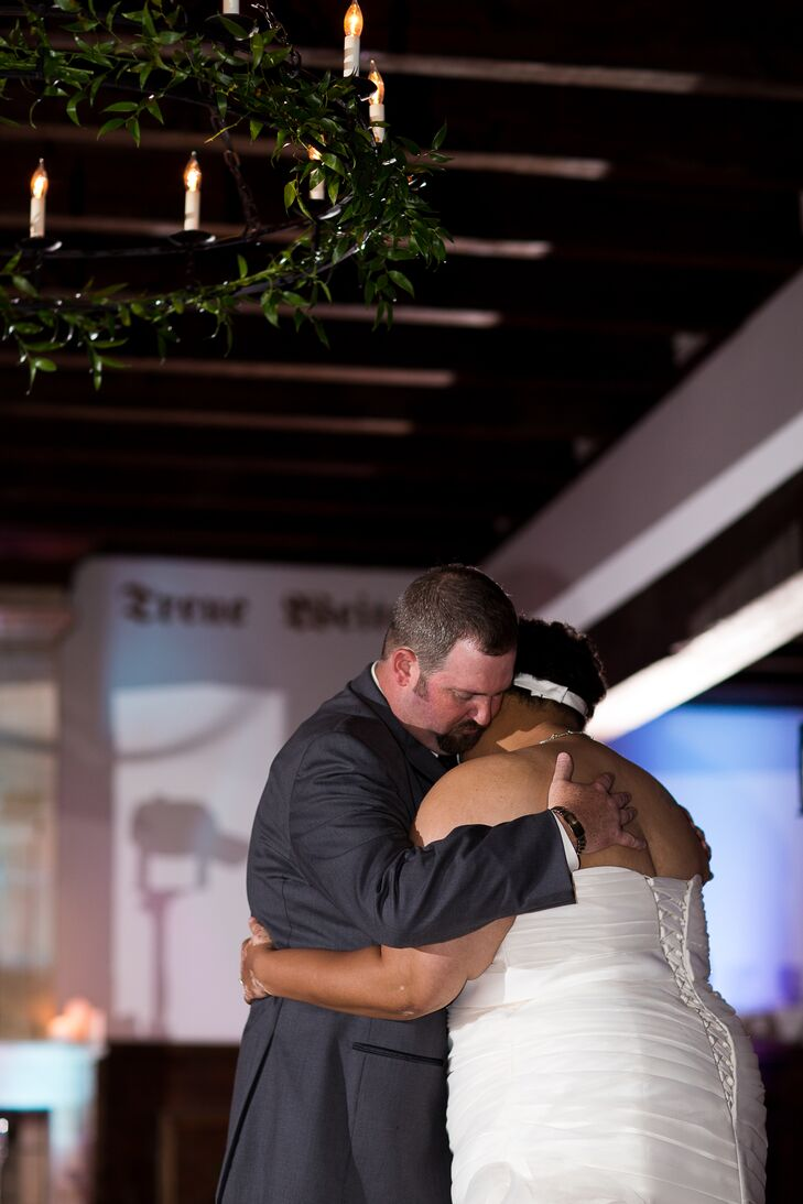 Veronica and John had their first dance as a married couple during the reception at the Williamsburg Winery.