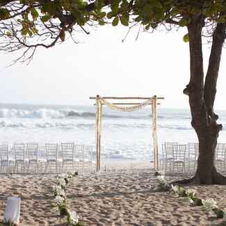 Oceanside destination wedding ceremony