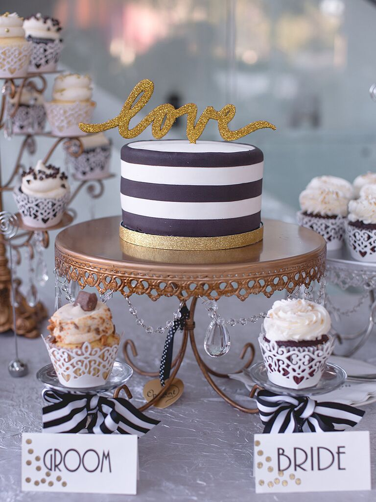 cupcake cake wedding cakes 16 wedding cake ideas with cupcakes 13141