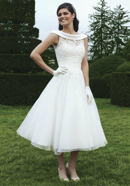 Sincerity Bridal 3749 Wedding Dress photo
