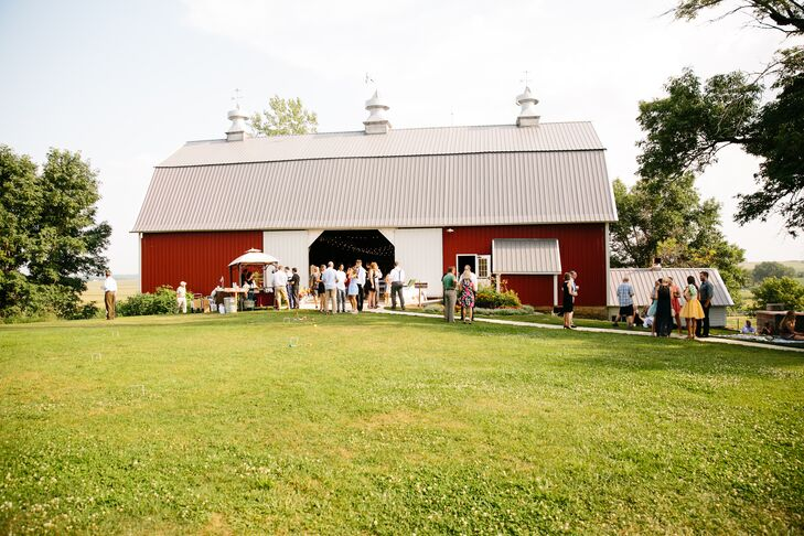 Red Barn Farm Summer Wedding Reception