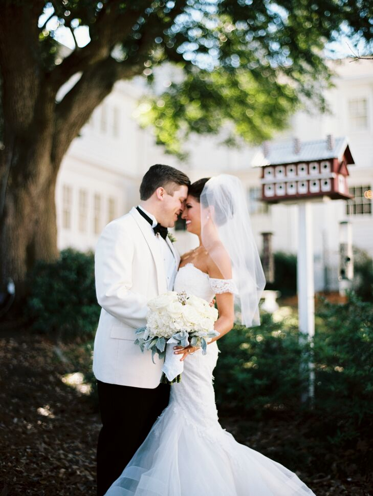 A Romantic Southern Miss Themed Wedding At The South Warehouse In