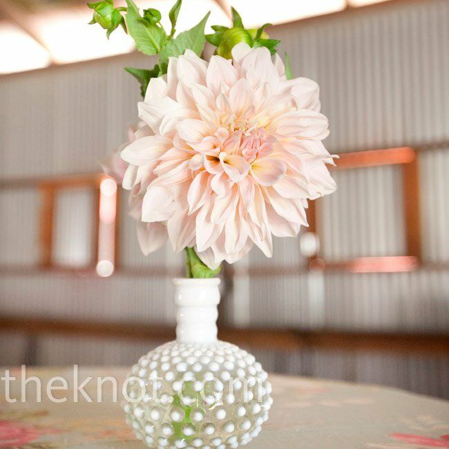 Single Flower Centerpiece : Pink dahlia centerpieces
