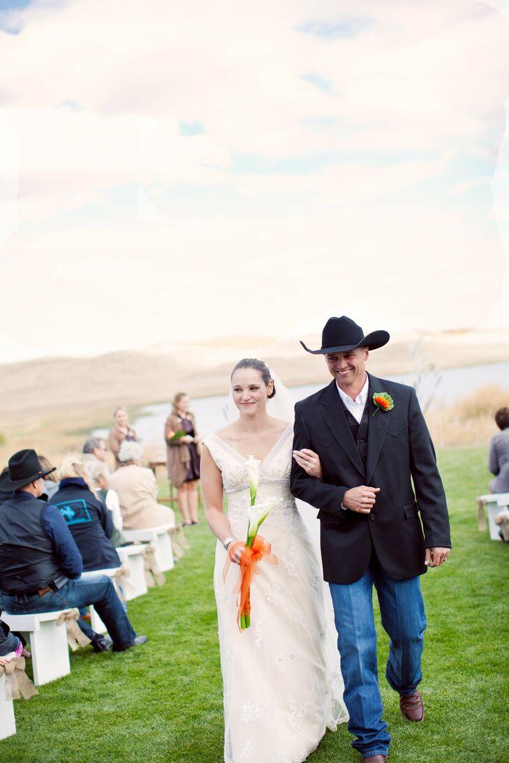 an outdoor country western wedding in valentine ne