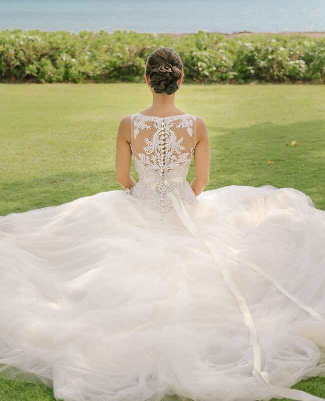 Aulani Weddings: A Destination Wedding At The Disney Aulani Resort In Hawaii