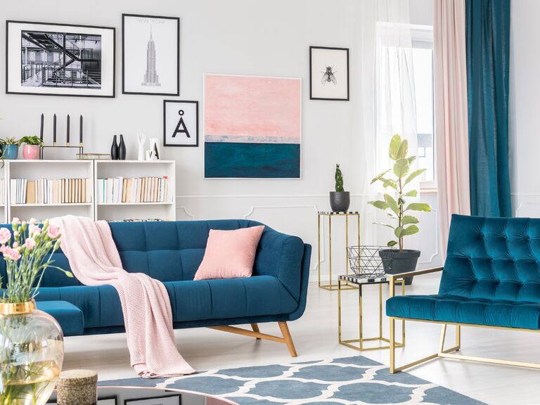 Glam Teal And Pink Living Room With Blue Velvet Couch