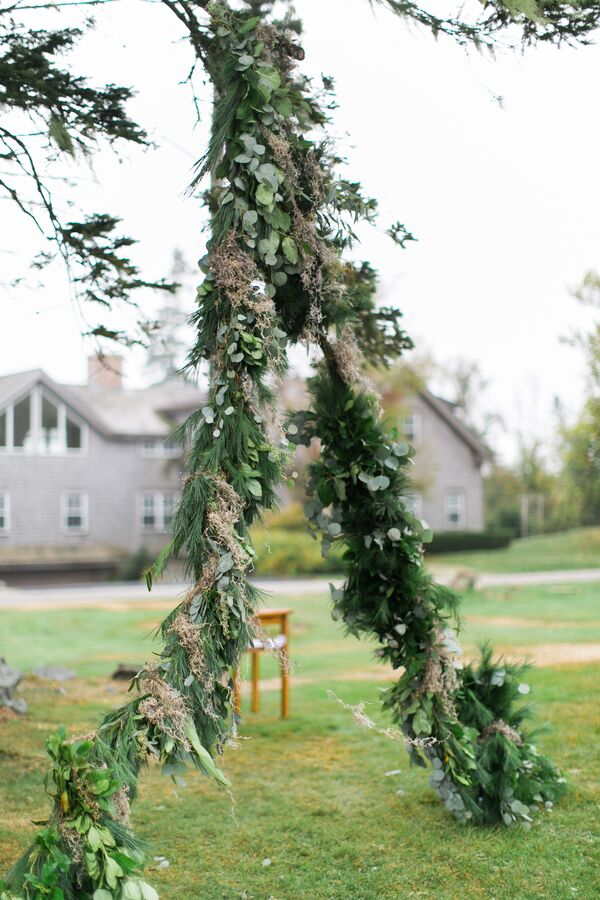 Rustic Garland Wedding Arch