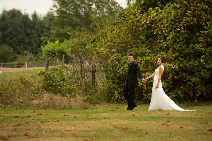A playful outdoor wedding in snohomish wa for Outdoor wedding washington state