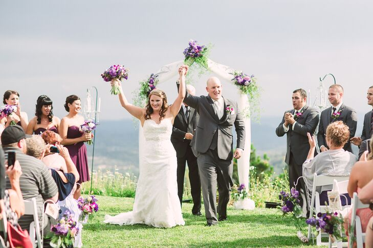 Stephanie Johnson (26 and an ER nurse) and Jeremy Dana (28 and a paramedic) had a classic, fuss-free wedding at Venticello, a Tuscan-inspired villa an
