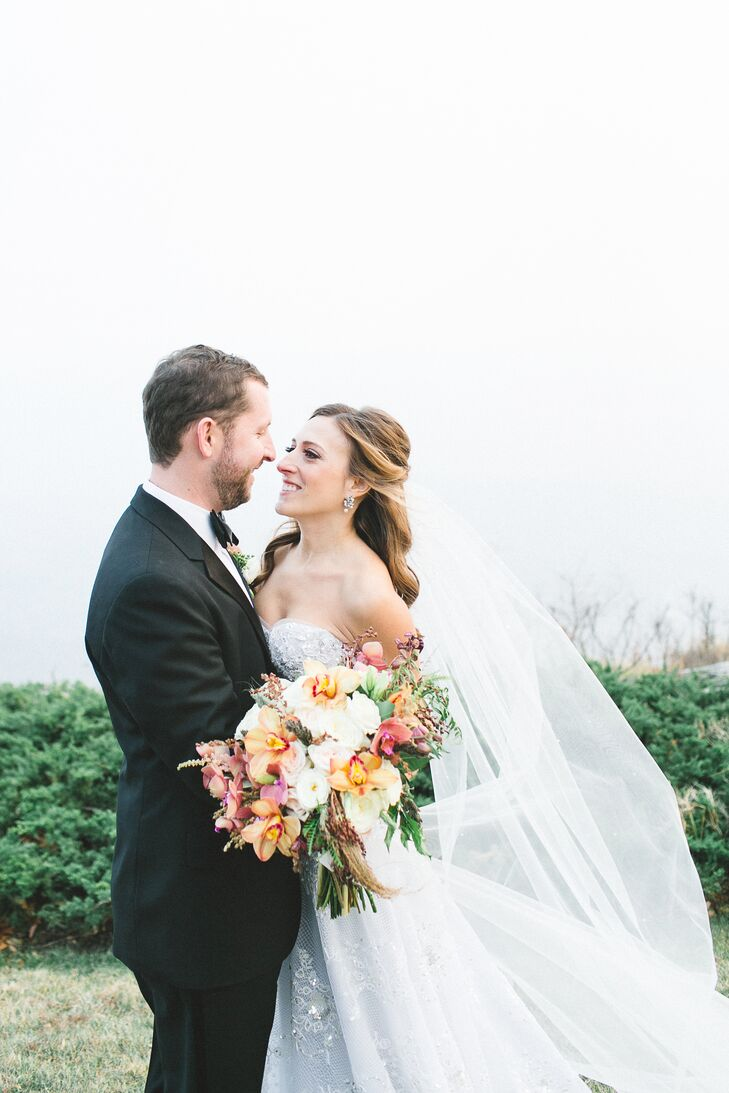 Melissa Kronthal (30 and a special education teacher) and Salsbury (30 and a director of partner strategy) hosted an elegant fall wedding at the barn,