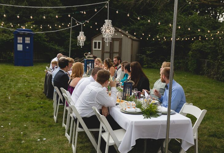 Backyard Wedding Receptions backyard wedding reception dining table